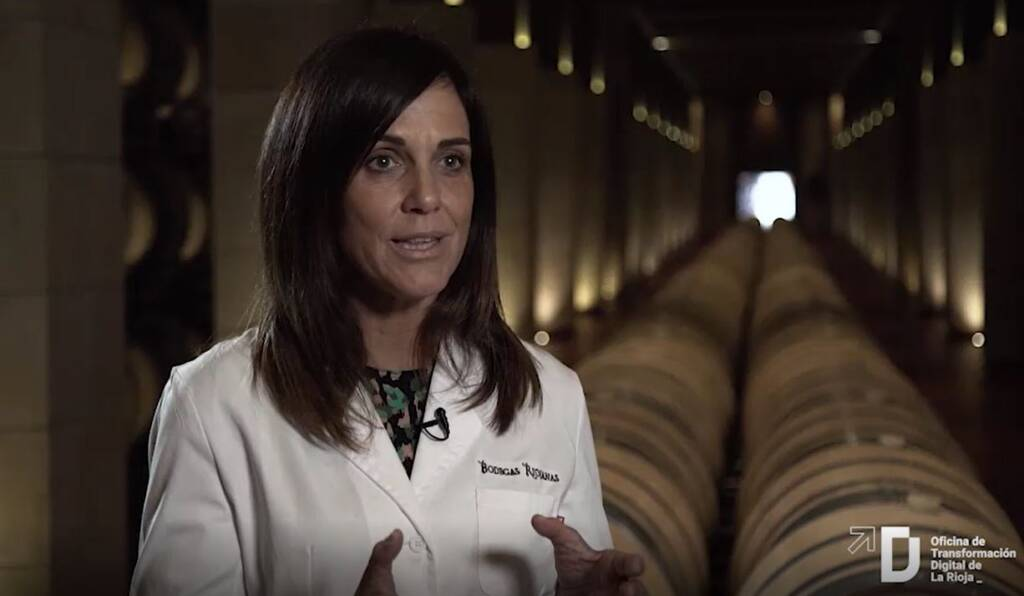 ¿En qué áreas utiliza Bodegas Riojanas la tecnología para mejorar sus procesos?